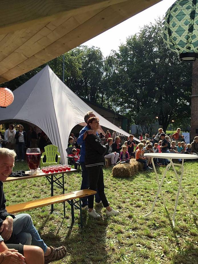 Een wijkevenement van het Stadslab in Stiphout gericht op ontmoeten, beleven en proeven.