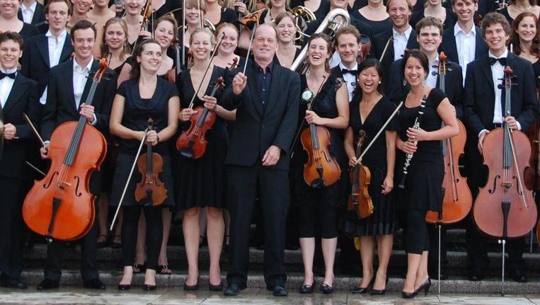 Daan Admiraal (midden) met het VU-Orkest in 2010. Beeld VU-Orkest