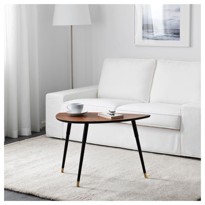 Het iconische LÖVBACKEN-bijzettafeltje is momenteel weer te koop bij IKEA.