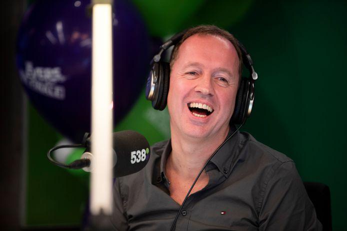 Edwin Evers tijdens zijn laatste ochtendshow bij Radio 538, in december vorig jaar.