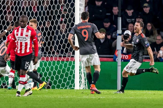 Robert Lewandowski maakte twee doelpunten voor Bayern