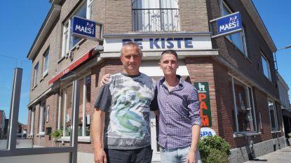 """Vader en zoon heropenen samen De Kiste na dood van geliefde uitbaatster Clarine: """"De ziel van het café moet behouden blijven"""""""