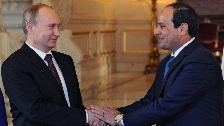 De Russische president Vladimir Poetin (L) met de Egyptische president Abdel Fattah al-Sisi.