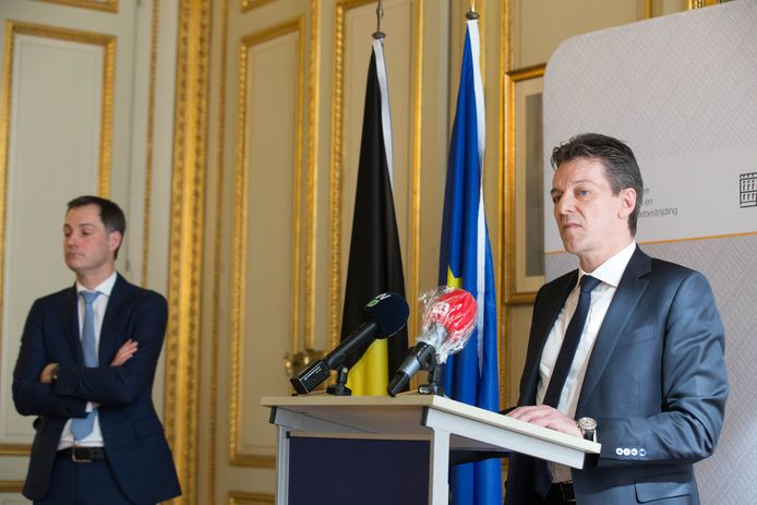 Febelfin-voorzitter Johan Thijs bij het aankondigen van de steunmaatregelen op 22 maart.