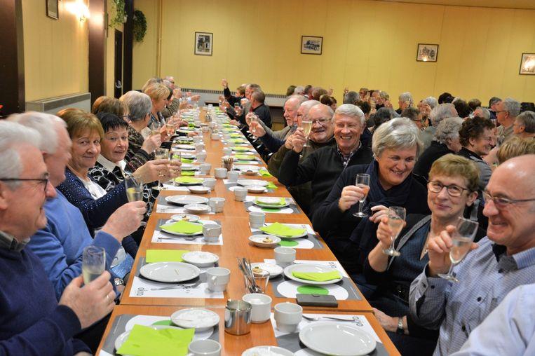 Okra Neerlinger toastte op het nieuwe jaar.