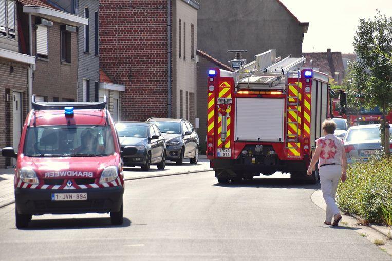 De brandweer repte zich naar de hoek van de Millesteenstraat en de Baron Holvoetlaan.