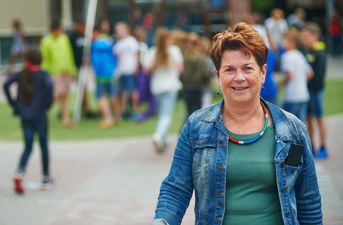 eo 40 jaar Juf Marja stapt na 40 jaar uit onderwijs   Oss, Uden e.o.   bd.nl eo 40 jaar