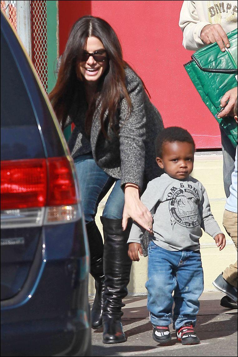 Sandra Bullock met zoontje Louis.