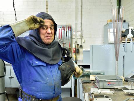 Deze mannen werken onder extreme omstandigheden: +35 graden en -35 graden