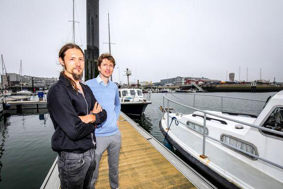 VLIZ-onderzoeker Thomas Verleye en ILVO-onderzoeker Frankwin Winsen.