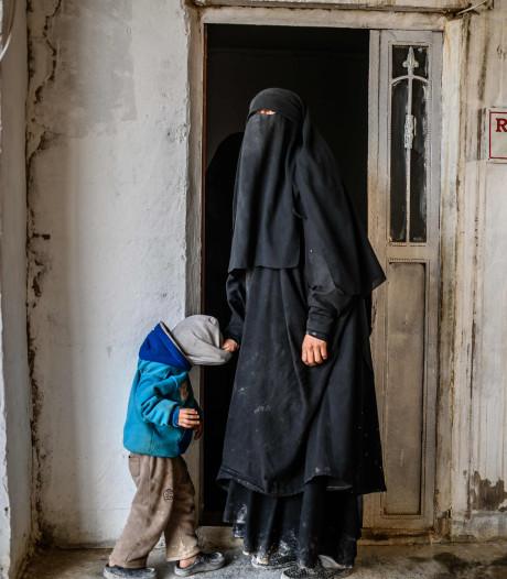 Al 25 Nederlandse jihadisten in Koerdische kampen of cel