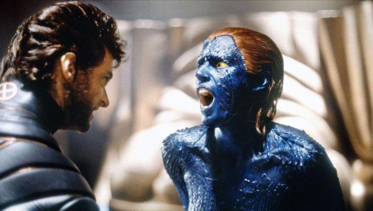 Hugh Jackman als Wolverine en Rebecca Romijn als Mystique in de film X-men. Beeld