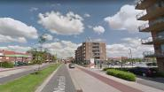 Bromfietser gewond na botsing aan uitrit parking