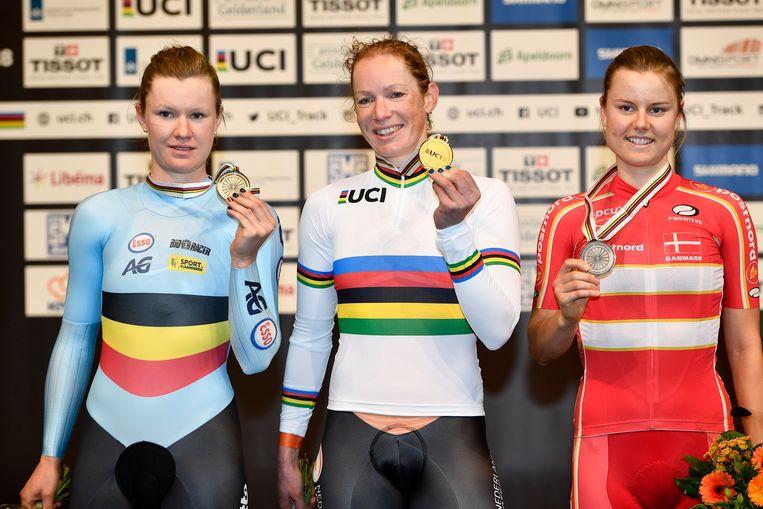 Ook Jolien D'hoore viel in Apeldoorn in de prijzen. De Oost-Vlaamse behaalde brons in de scratch.