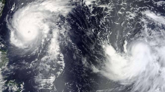 Tyfoon Bolaven bereikt zuiden van Japan, tyfoon Tembin op weg naar Taiwan