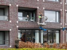 Van woonzorgcentrum in Geesteren mogen de hoogwerkers voor bijzondere ontmoetingen blijven staan