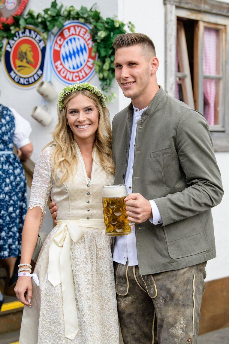 Niklas Suele met vriendin Melissa Halter.