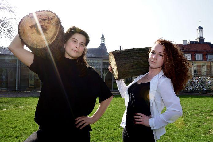 Theatermakers Romy Rockx (l) en Sofie Habets (r) zijn samen de Vrouwen van Wanten. Ze zijn genomineerd voor de Cultuurprijs.