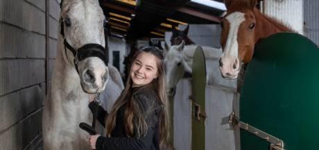 Madelon (14) kan eindelijk weer uit de donkere kamer, dankzij behandeling in Amerika