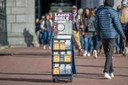 Een stand van Jehova's getuigen op het Museumplein in Amsterdam. Foto ter illustratie.