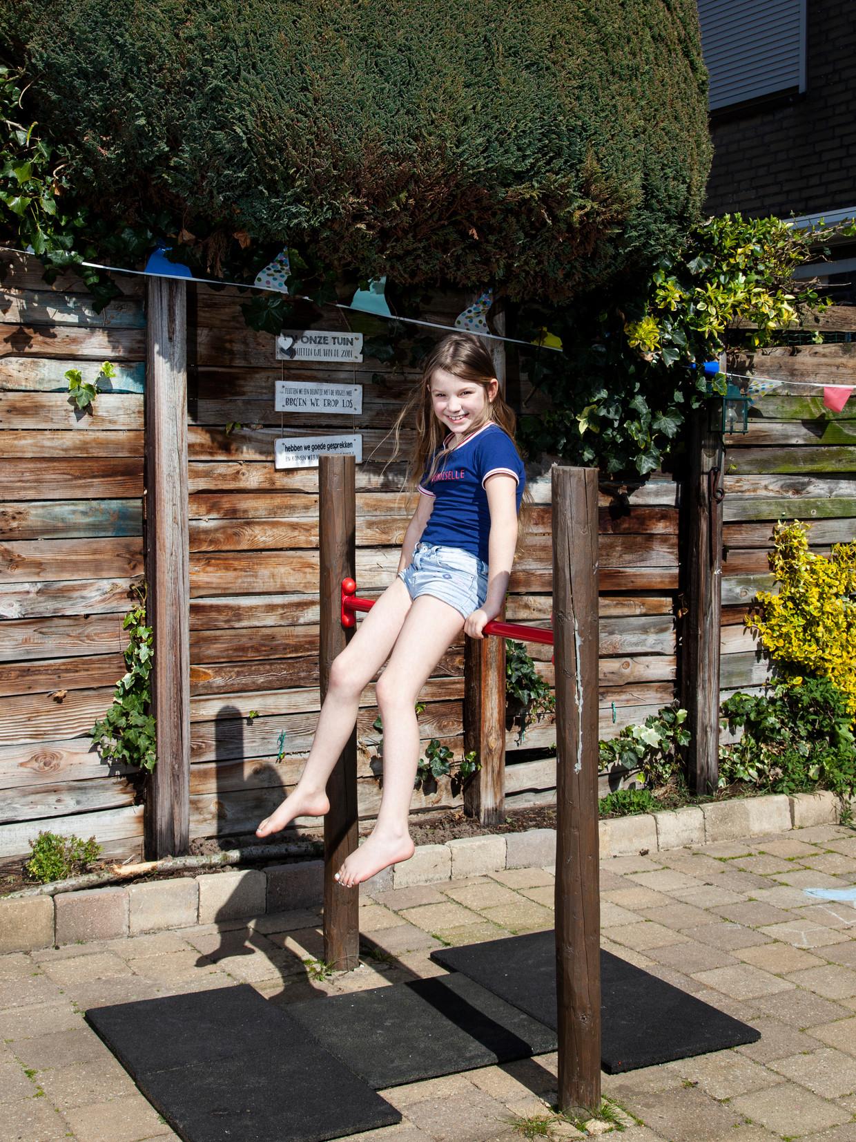 Ysabel Keeren: 'Ik was jarig tijdens corona, op 2 april. Daarom zie je nog slingers op de foto.' Beeld Adriaan van der Ploeg