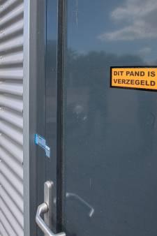 Pand op Urk waar granaat aan de deur hing moet half jaar lang dicht blijven