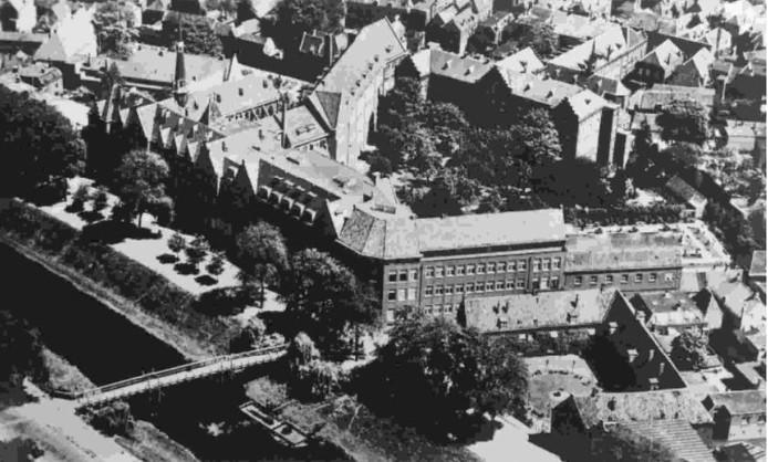 Het oorspronkelijke kloostercomplex tussen Sint-Janssingel en Uilenburg.