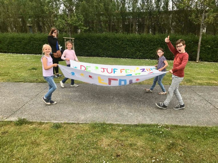 Protest tegen sluiting schooltje in Uitkerke