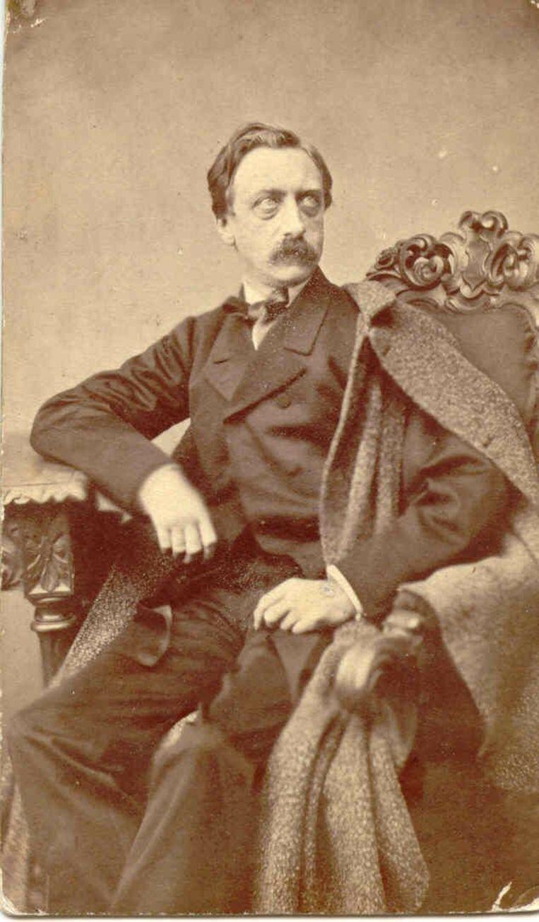 Eduard Douwes Dekker, die onder het pseudoniem Multatuli onder andere het boek Max Havelaar schreef.   Beeld null