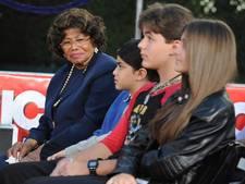 Rechtszaak van moeder Michael Jackson uitgesteld