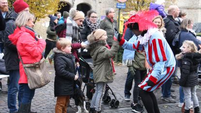 IN BEELD. Eerste Sintparade in Nieuwpoort lokt alleen maar brave kinderen