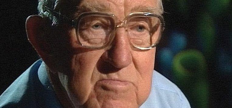 Stichter Neville Cooper werd al veroordeeld omdat hij jonge meisjes aangerand zou hebben.