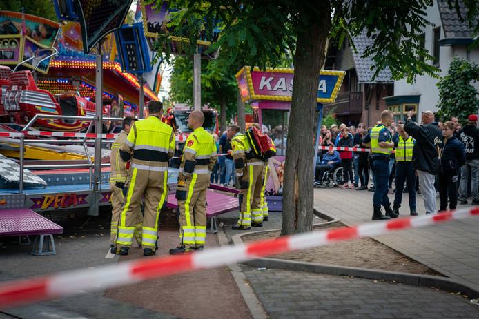 Hulpverleners waren gisteravond massaal aanwezig na het ongeval met de Deca Dance op de kermis in Wijchen.