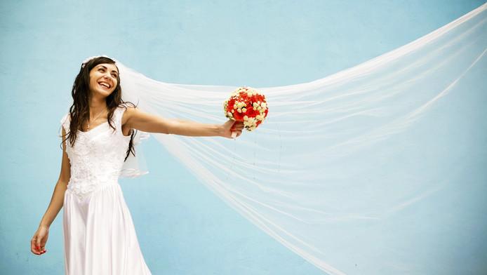Bruid Verrast Echtgenoot Met Sluier Van 520 Meter Wonen