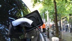Iedereen een elektrische auto, maar kan het stroomnet dat wel aan?