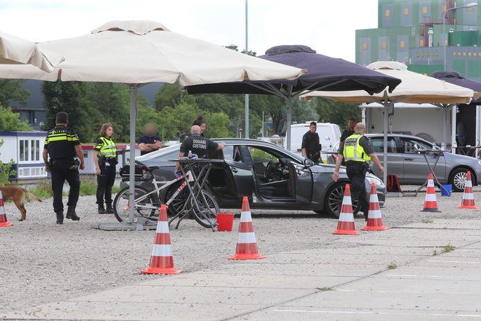 Grote handhavingsactie in Den Bosch West.