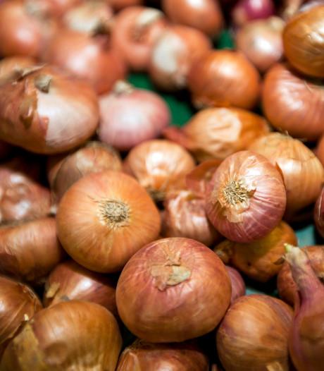 OM valt binnen bij bedrijven: 'Aardappel- en uienhandel vatbaar voor witwaspraktijken'