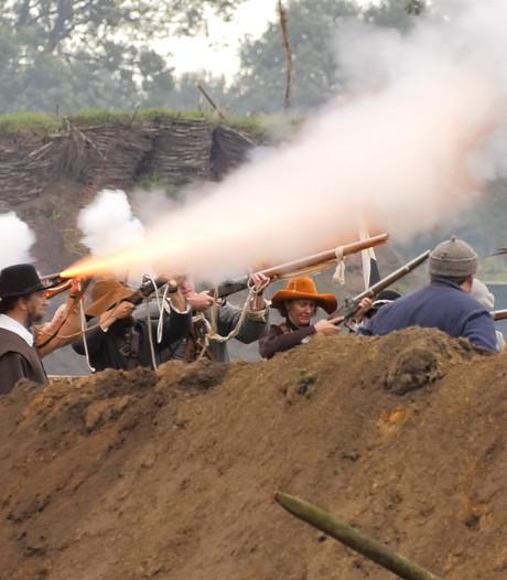 390 jaar na de Slag om Grolle bulderen de kanonnen nog steeds