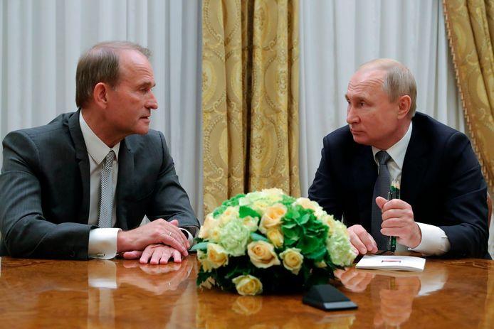Rencontre entre Vladimir Poutine et l'homme politique ukrainien Viktor Medvedtchouk, considéré comme prorusse.