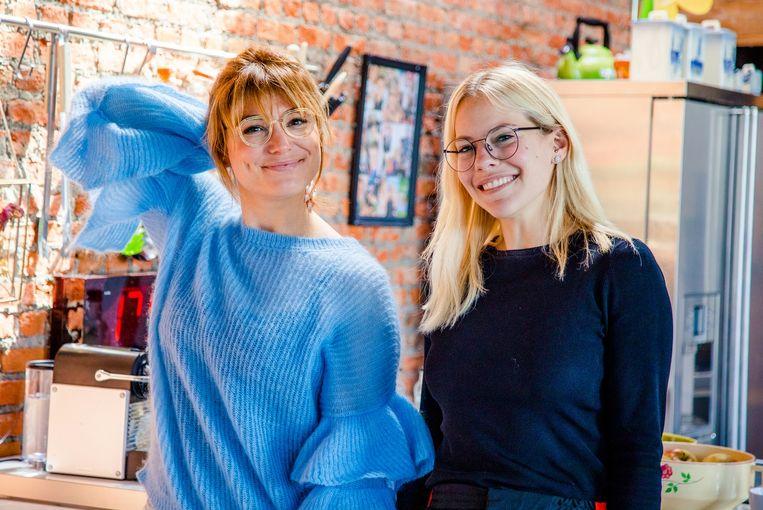 Evi Hanssen en Eline De Munck in de uitzending van 'Het Heilig Huis van Hanssen' op Joe.