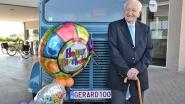 100-jarige komt met zijn eigen wagen met gepersonaliseerde nummerplaat 'Gerard 100' naar feest