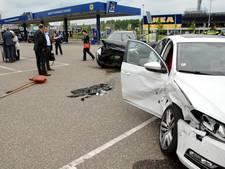 Ravage op parkeerplaats Makro in Duiven na aanrijding