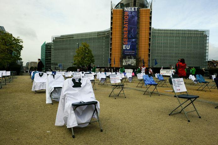 De actievoerders willen aandacht vragen voor het zorgpersoneel dat in heel Europa vecht tegen de coronapandemie.