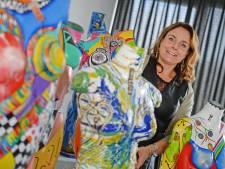 Deldense Amanda Dake beschildert paspoppen: 'Met mooie billen en borsten kan ik heel veel doen'