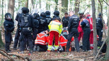 Journalist overleden na val uit boomhutdorp in omstreden Duits 'bruinkoolbos'