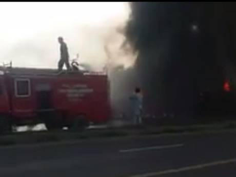 Ruim 120 doden door brandende tankwagen Pakistan