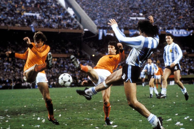 Wim Suurbier in de WK-finale tegen Argentinië, 1978.  Beeld BSR Agency