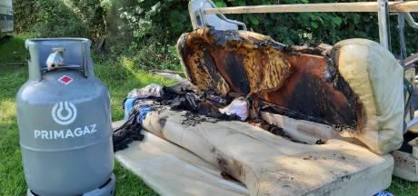 Adapter mogelijk boosdoener van brand op camping in Fortmond: caravan onbewoonbaar
