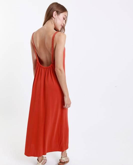 Robe longue couleur rouille - 15 euros au lieu de 29,99 euros.