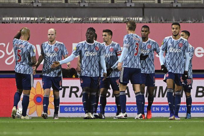 Ajax viert de 0-2 van Zakaria Labyad op bezoek bij FC Emmen.